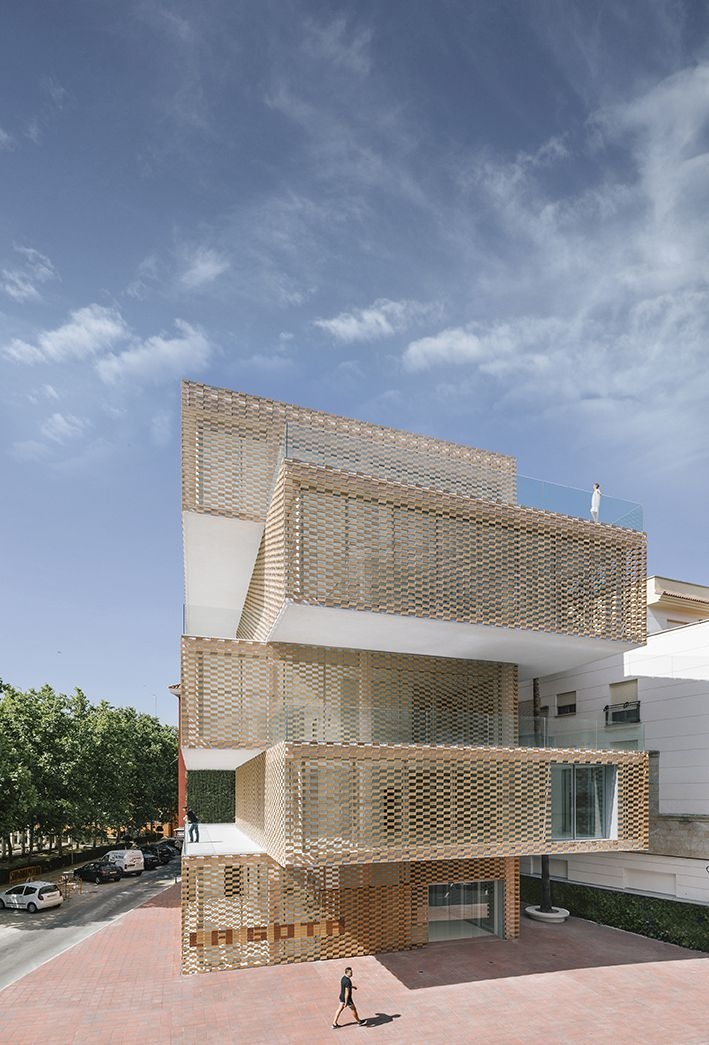 Losada-García-Arquitectos-.-Cultual-Center-La-Gota-–-Tabacoo-Museum-.-Navalmor.jpg