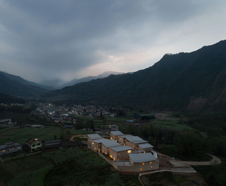 Deshaus-.-Central-Kindergarten-.-Xinchang-Village-2.jpg